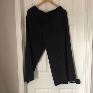 Lululemon size 8 culottes black